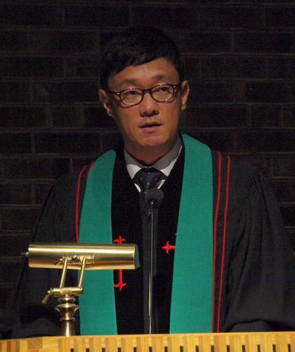 Pastor_Shin.png